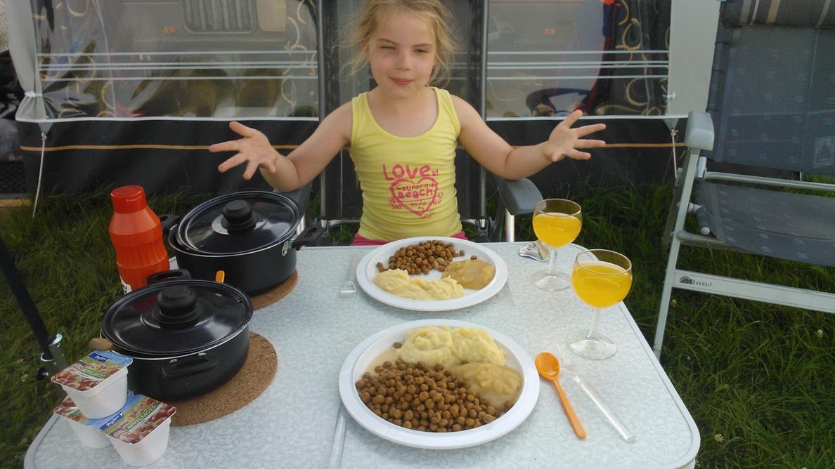 De eerste maaltijd alleen met Carlijn.
